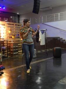 Paula-Talmelli palestra igreja como-vestir-a-mulher-crista-moderna3-768x1024